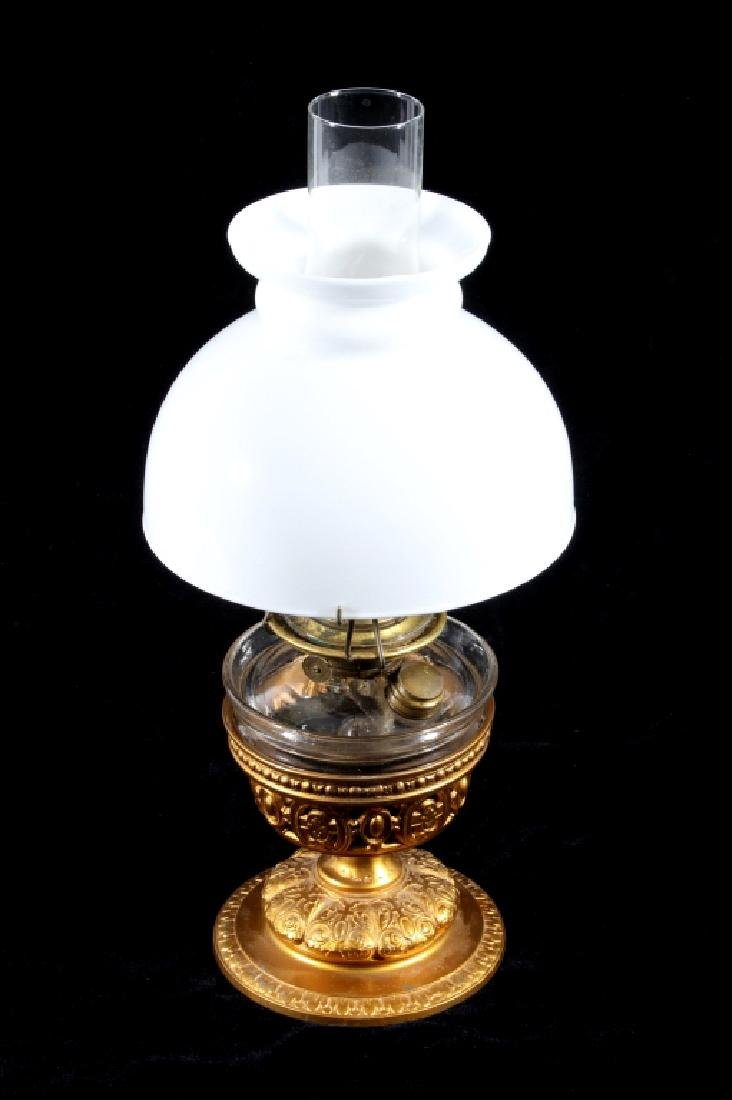 Excellent Victorian Cast Iron Gilded Table Lamp