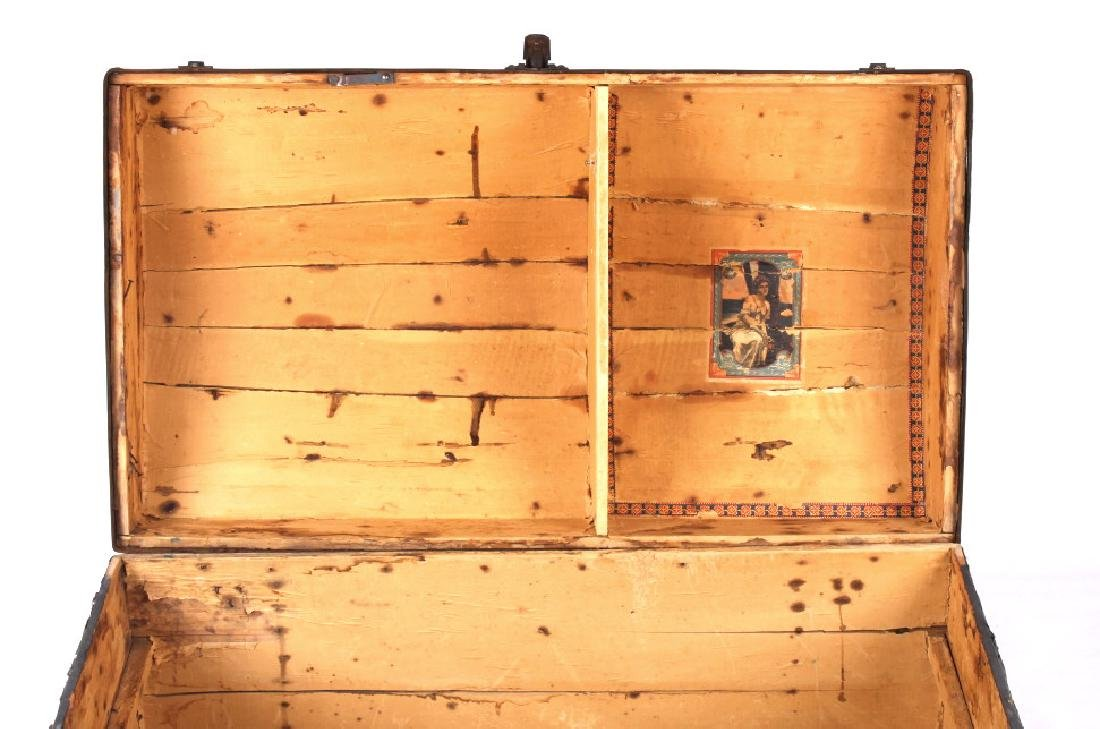 Ornate Early 19th Century Humpback Wooden Trunk - 10