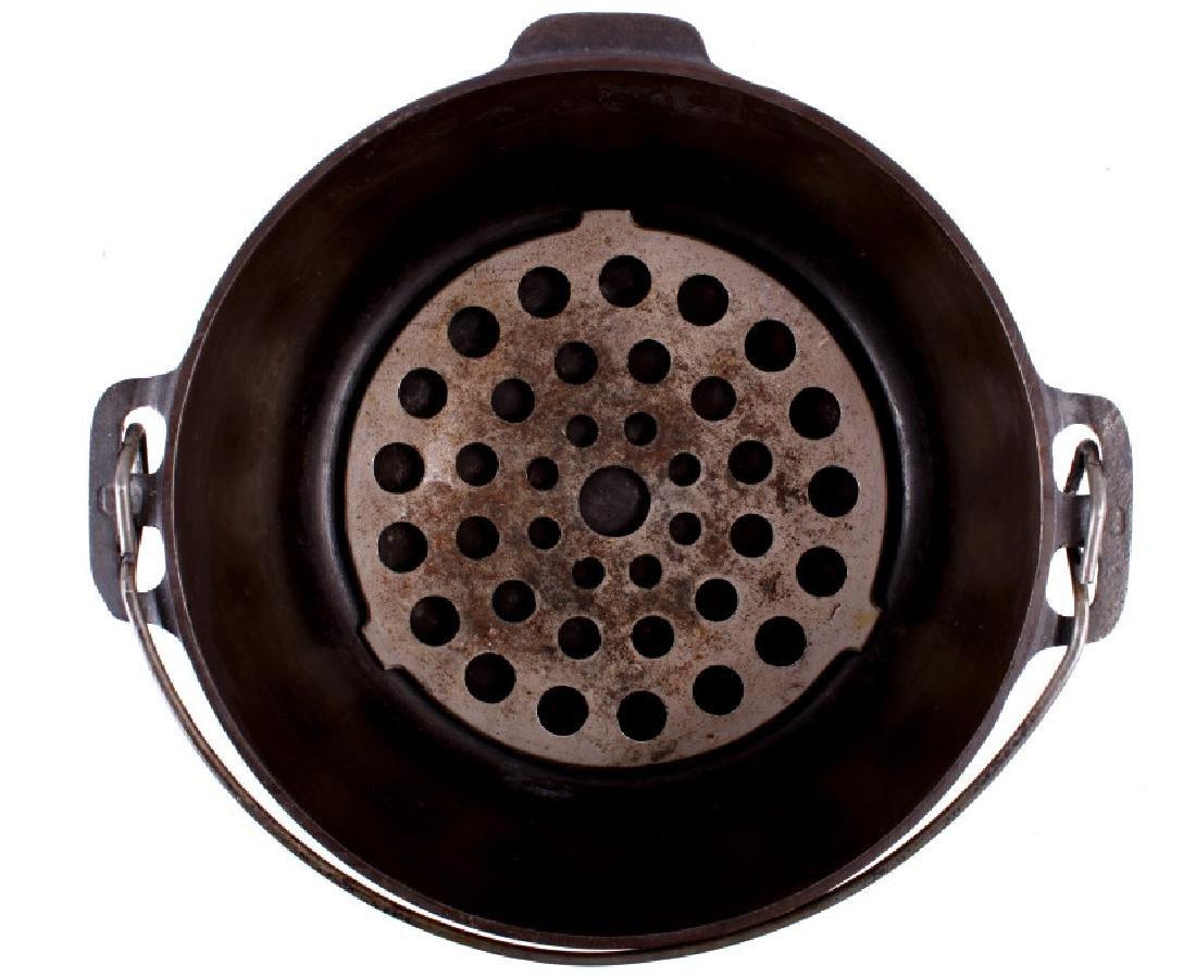 Griswold No. 8 Cast Iron Tite-Top Dutch Oven - 5