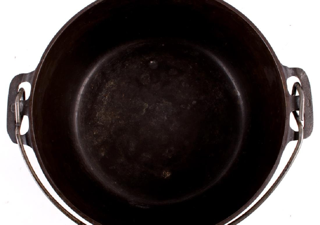 Griswold No. 8 Cast Iron Tite-Top Dutch Oven - 7