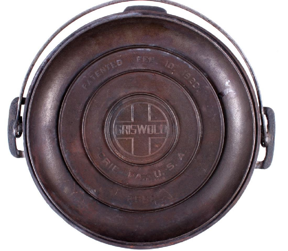 Griswold Cast Iron No. 9 Tite-Top Dutch Oven - 3