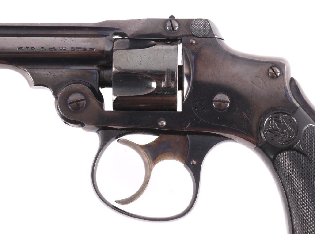 Smith & Wesson .32 Safety Hammerless Revolver - 3
