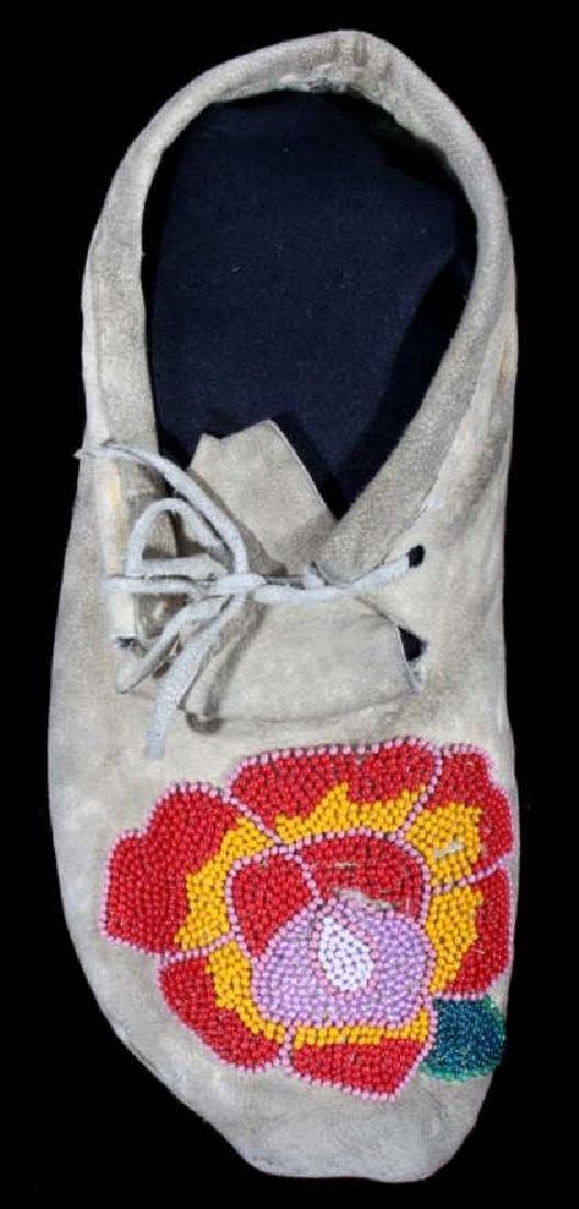 Cree Indian Floral Beaded Moccasins c. 1900-1930's - 3