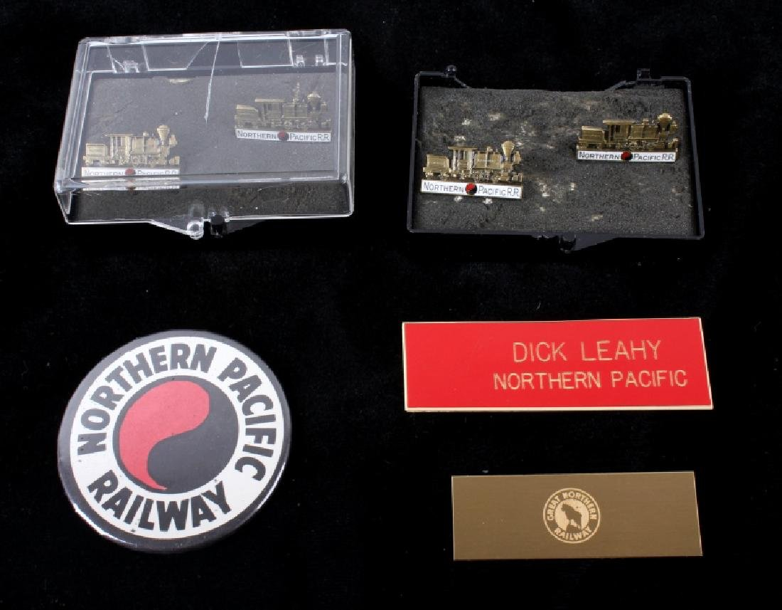 Northern Pacific Railway pocket watch & pins - 7