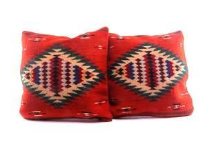 Ganchos y Medallions Wool Set of Pillows Two Reyna