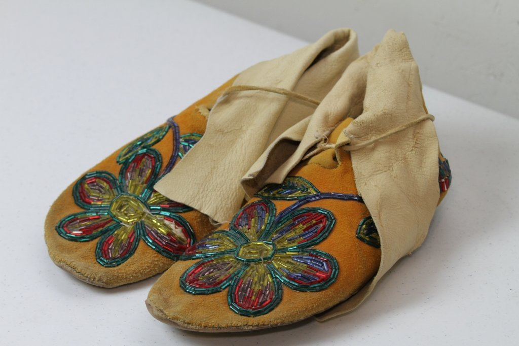8: Crow Indian Beaded Moccasins