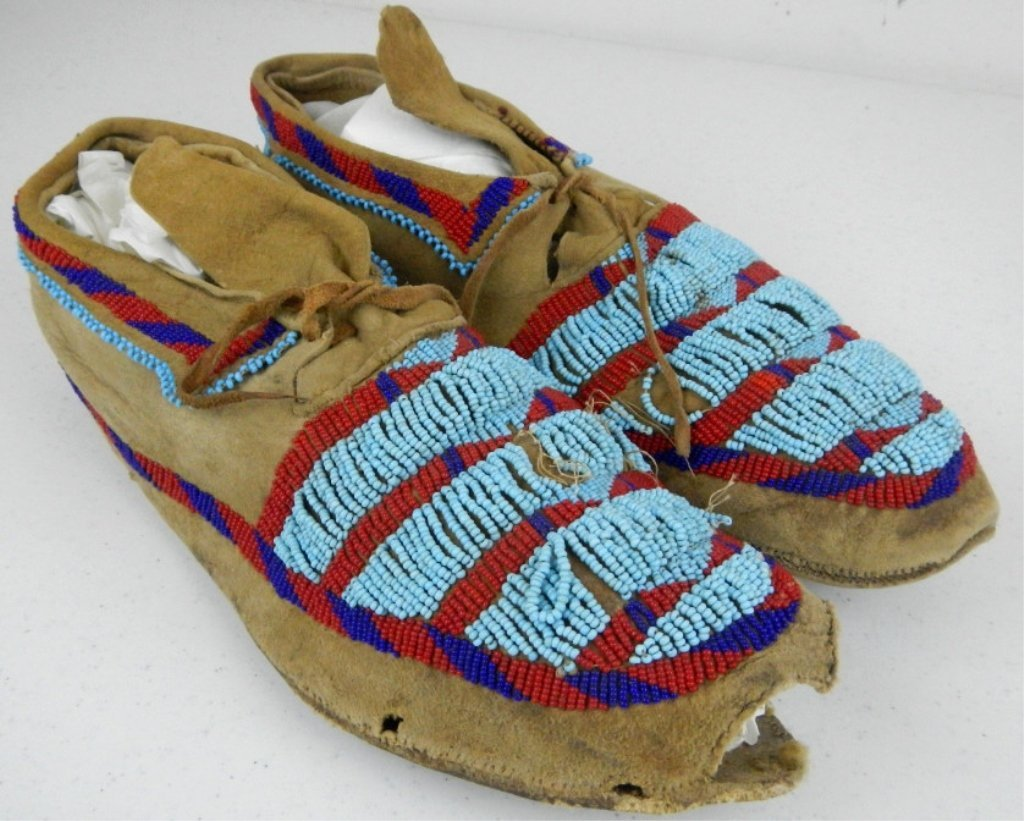 Blackfoot Moccasins 1800's - 6