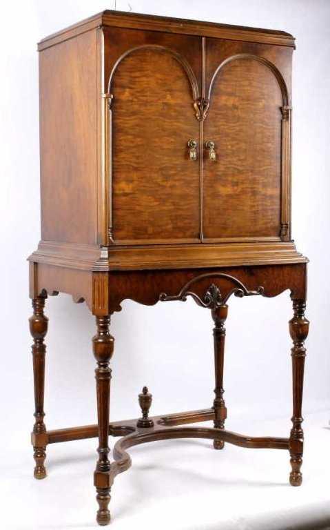 Antique Majestic Radio Cabinet