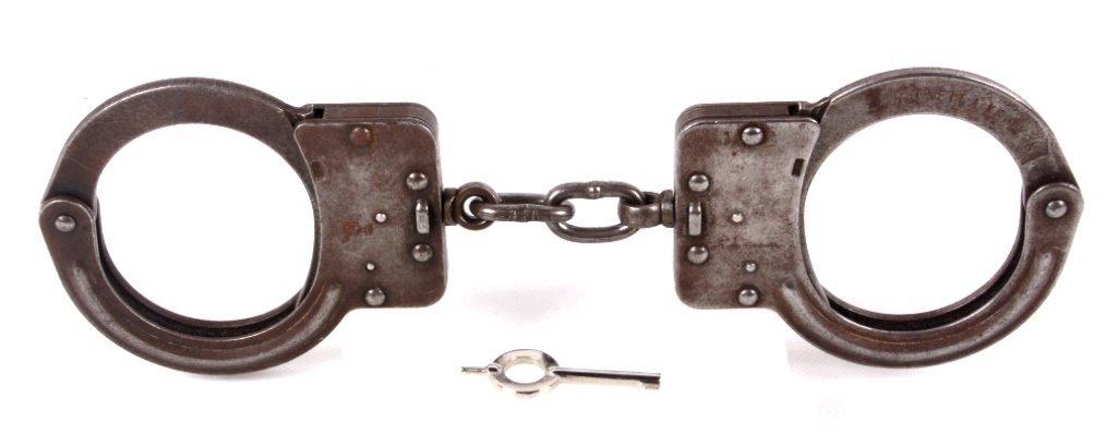 Crockett & Kelly Hand Cuffs