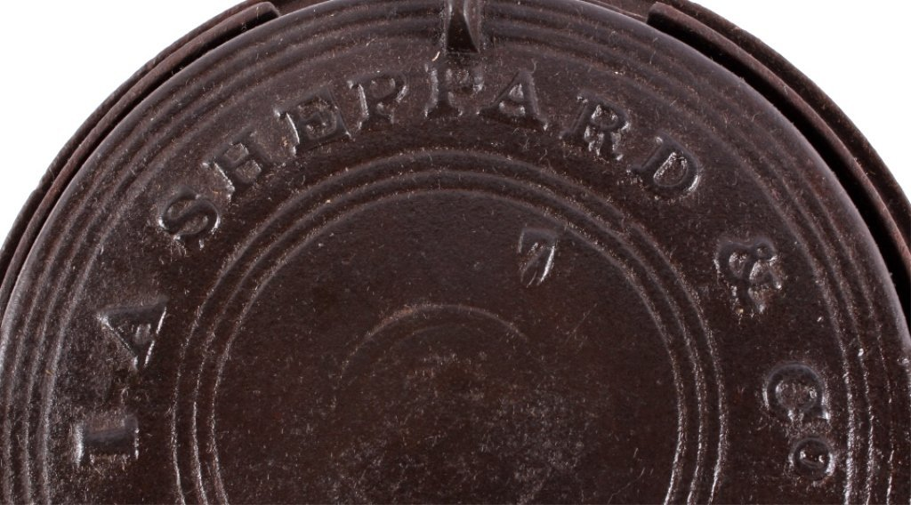 I.A. Sheppard Cast Iron Waffle Maker This lot feat - 3