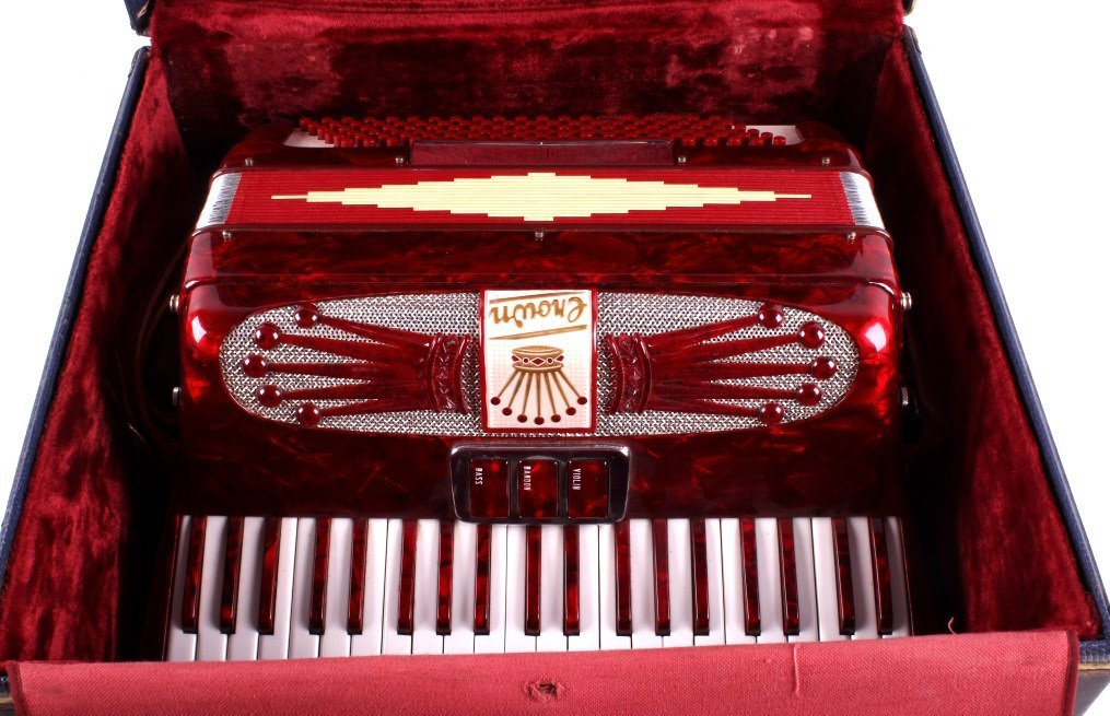 Crown Accordion with Case This is a crown accordio - 8