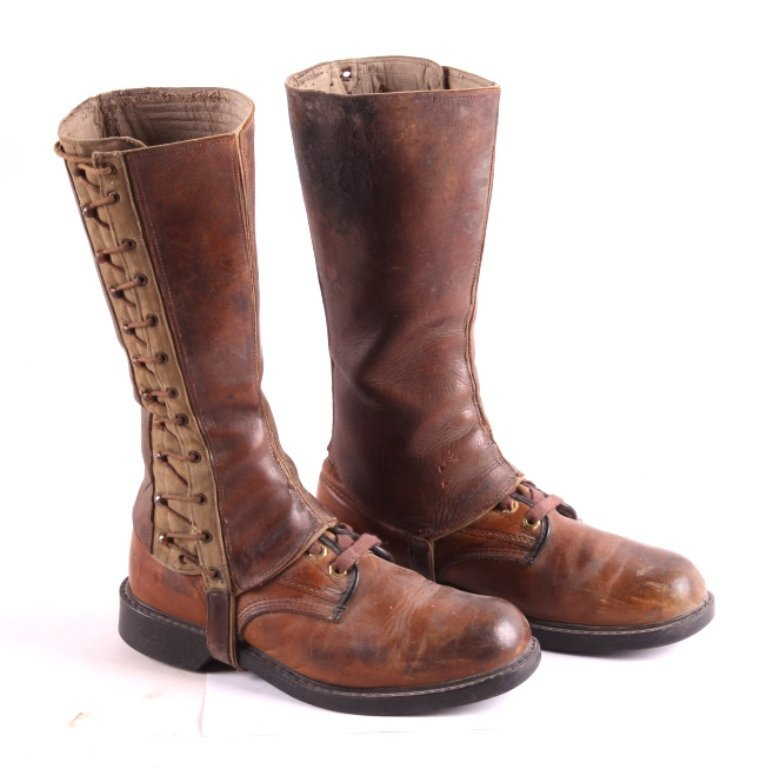 U.S. Army Cavalry Boots and Leggings This is a pai