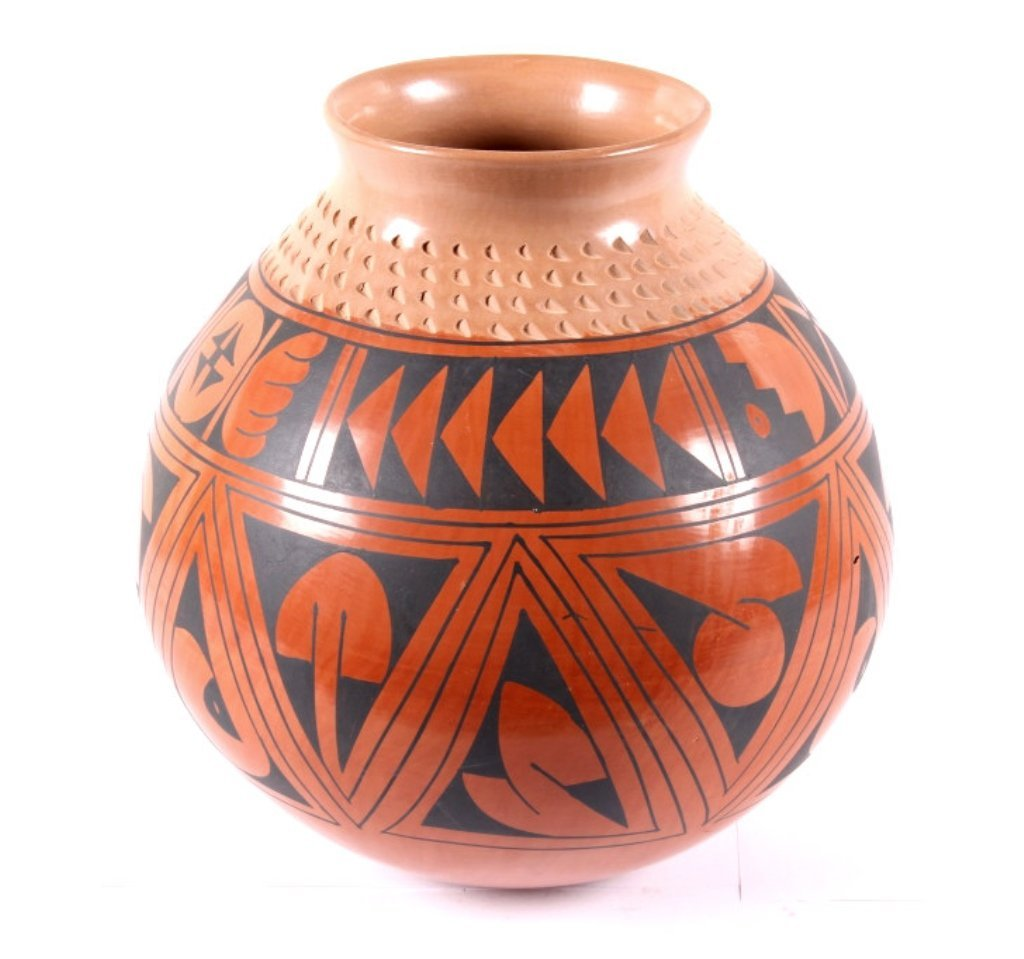 Mata Ortiz Polychrome Pottery Vessel by Luis
