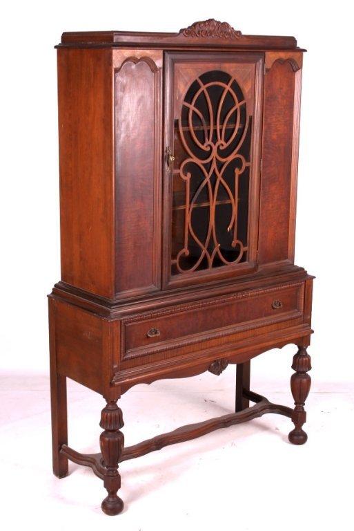 antique 1920 s walnut china cabinet jan 16 2016 north american rh liveauctioneers com 1920 mahogany china cabinet 1920s 30s china cabinets