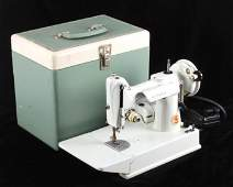Singer Featherweight Model 221 Sewing Machine