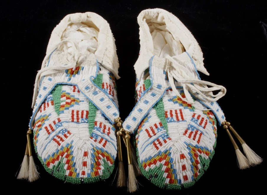 Oglala Sioux Fully Beaded Moccasins American Flag - 3