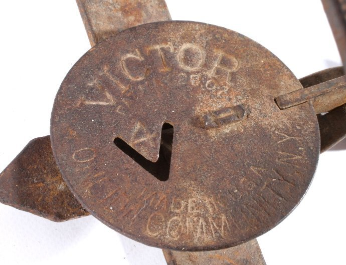 Collection Of Victor And Triumph Traps - 7