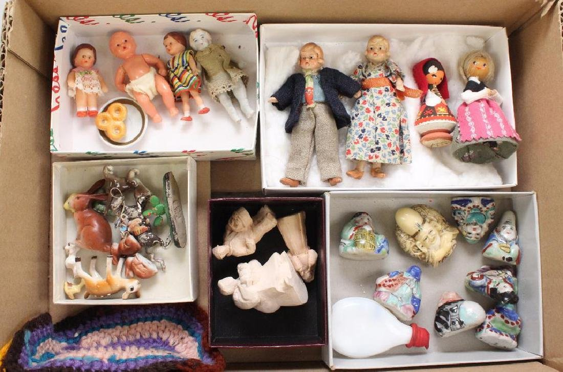 LOT OF VINTAGE DOLLS AND MINIATURES.