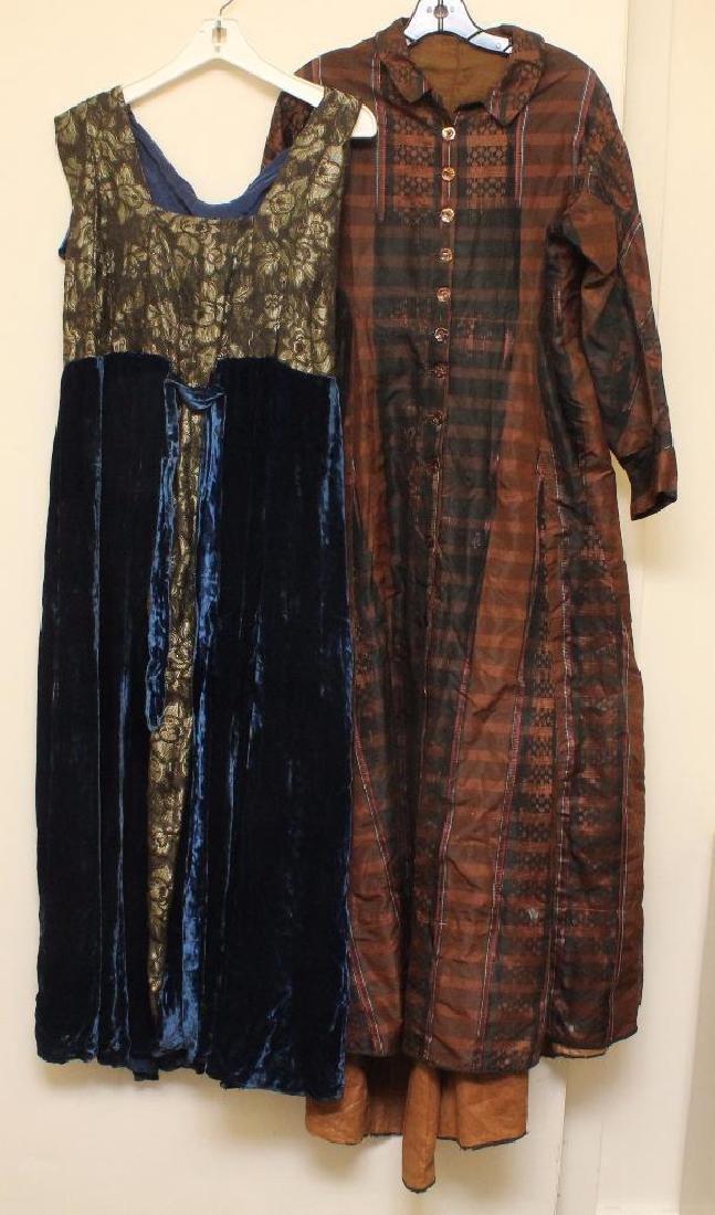 PAIR OF ANTIQUE LADIES' DRESSES: BROWN SILK DAY DRESS