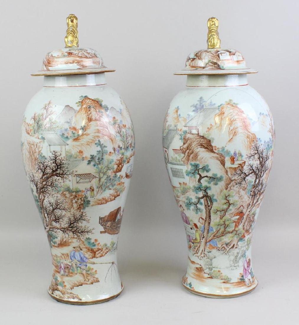 Pair of Large Chinese Export Urns - 5