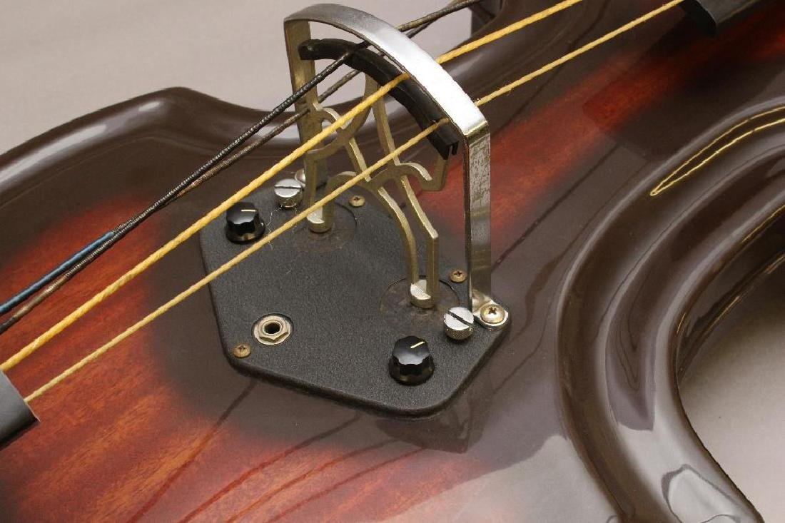 1960s Ampeg Baby Bass - 4