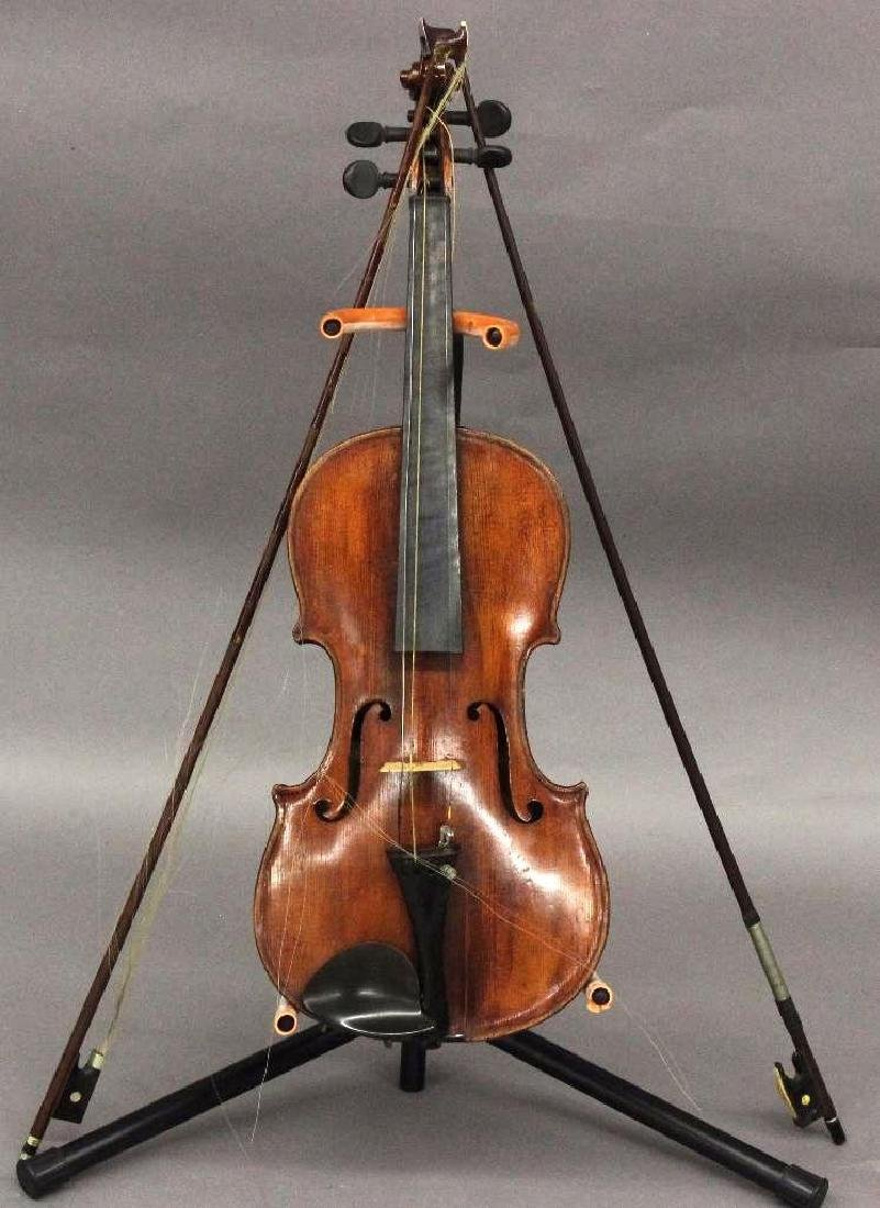 Violin with Bows/Case