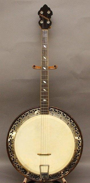 Weymann 4-String Banjo