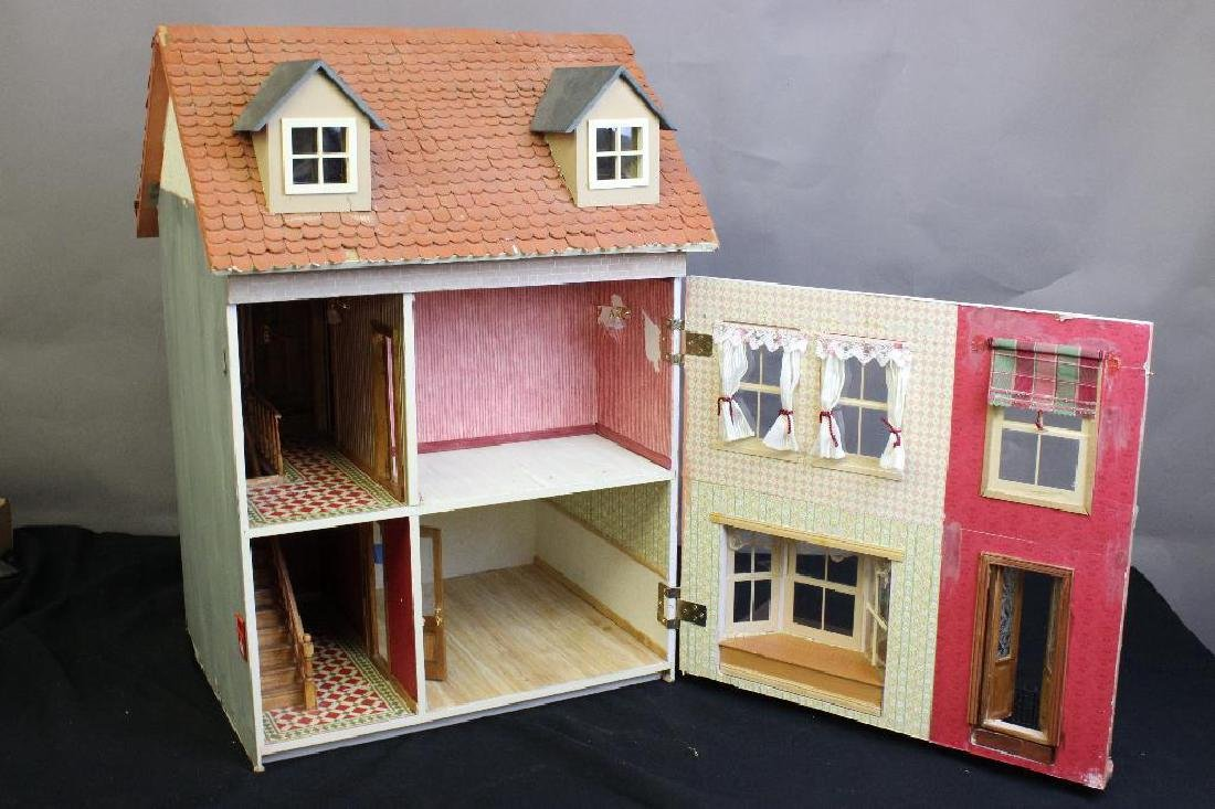 The Rose & Crown Inn Dollhouse - 2