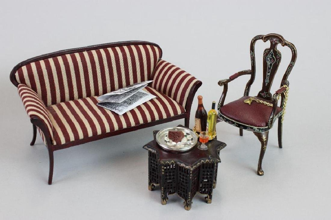 Art Dealer's Apartment - sofa, chairs, desk, clock - 3