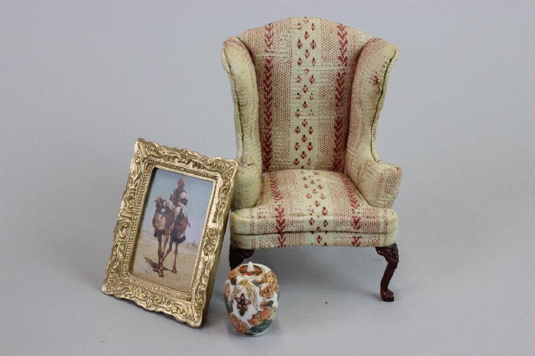 Art Dealer's Apartment - sofa, chairs, desk, clock - 4