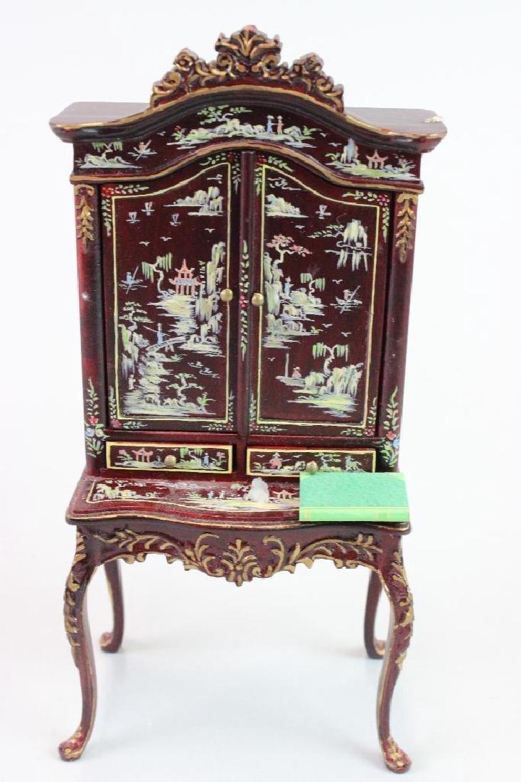 Art Dealer's Apartment - sofa, chairs, desk, clock - 6