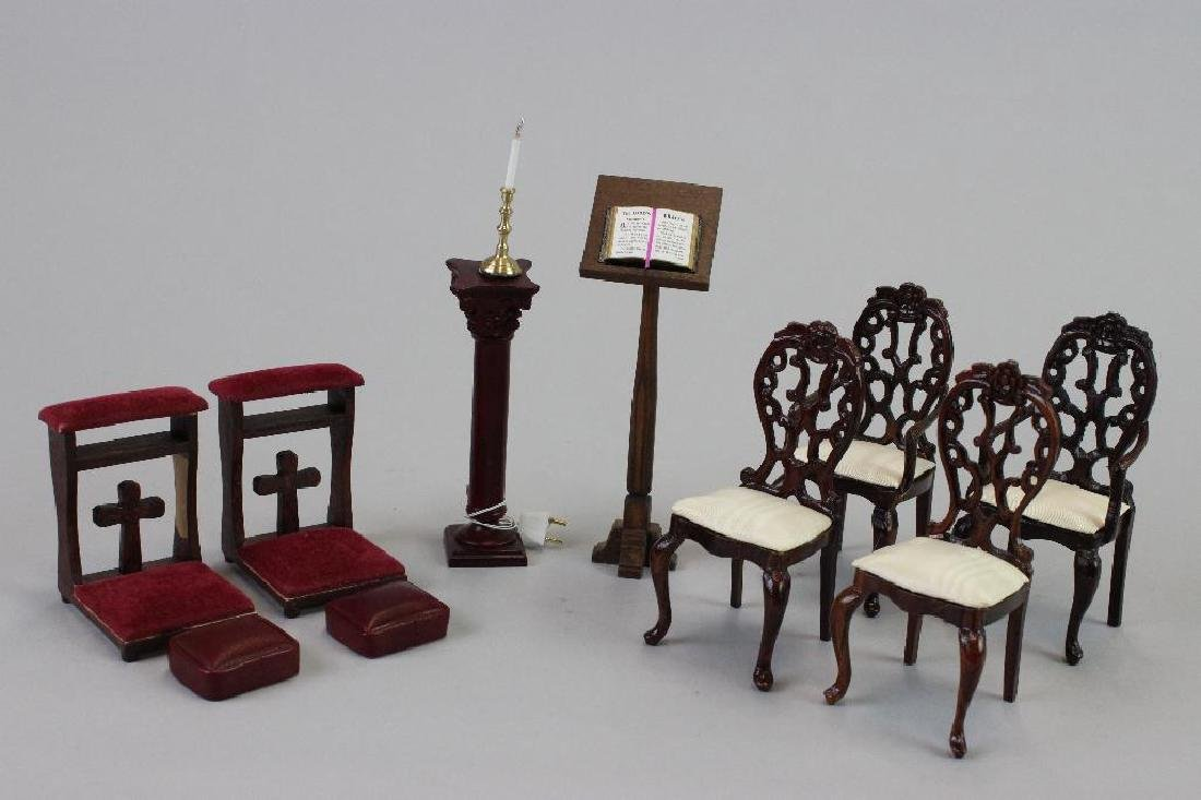 Prie deux; chairs, kneeling pads; lectern; and Pedestal