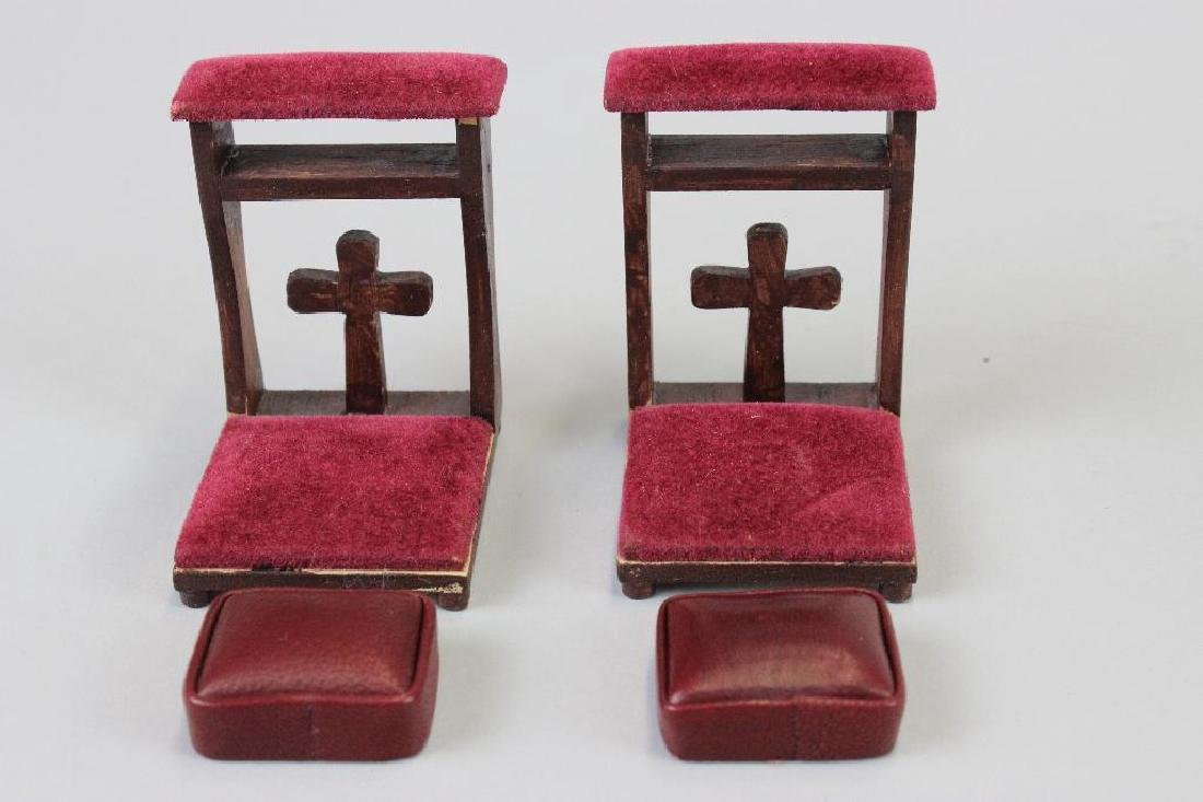 Prie deux; chairs, kneeling pads; lectern; and Pedestal - 3