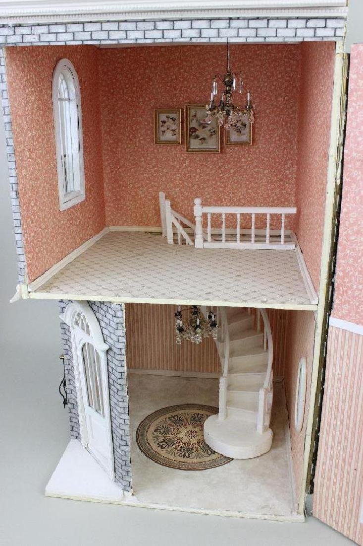 Lady Audrey's Hats Dollhouse - 3