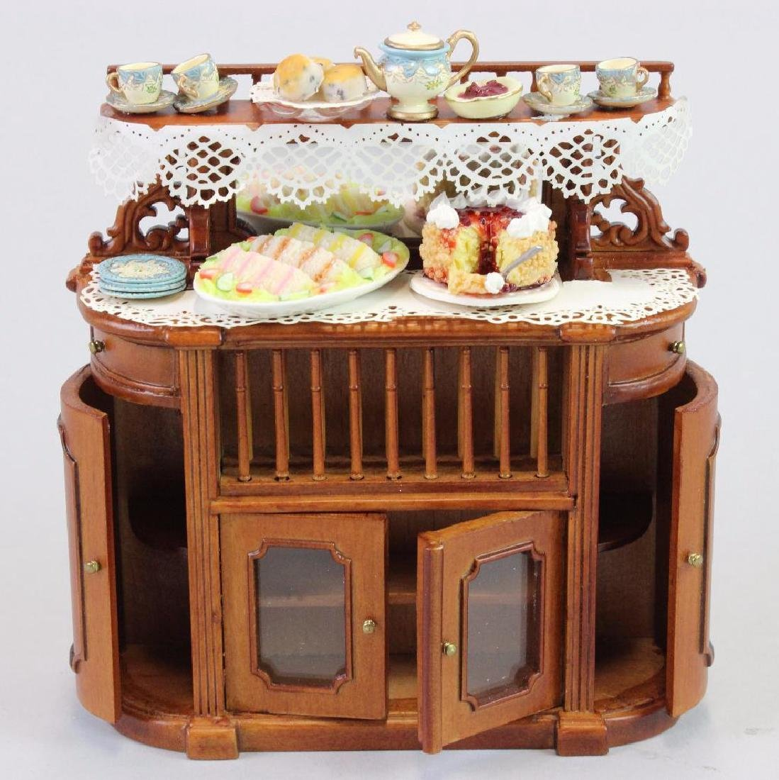 Side board Bespaq,  artists cakes, tea for two set
