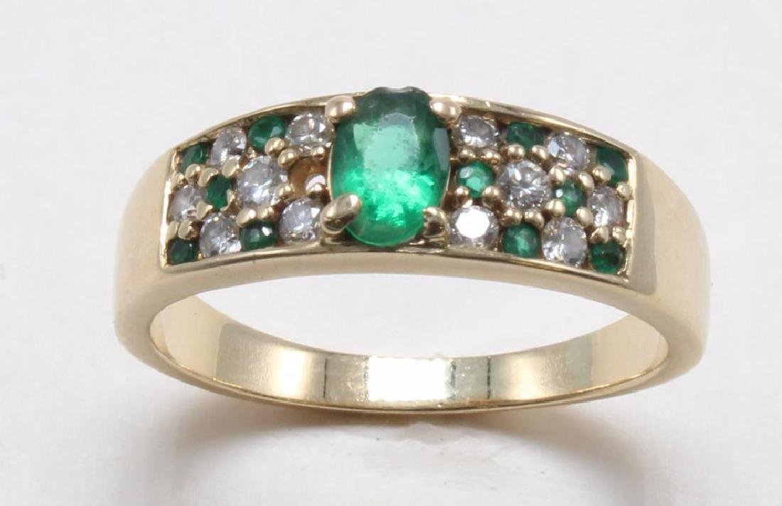 RING. EMERALD AND DIAMOND. 14K YELLOW GOLD - 2