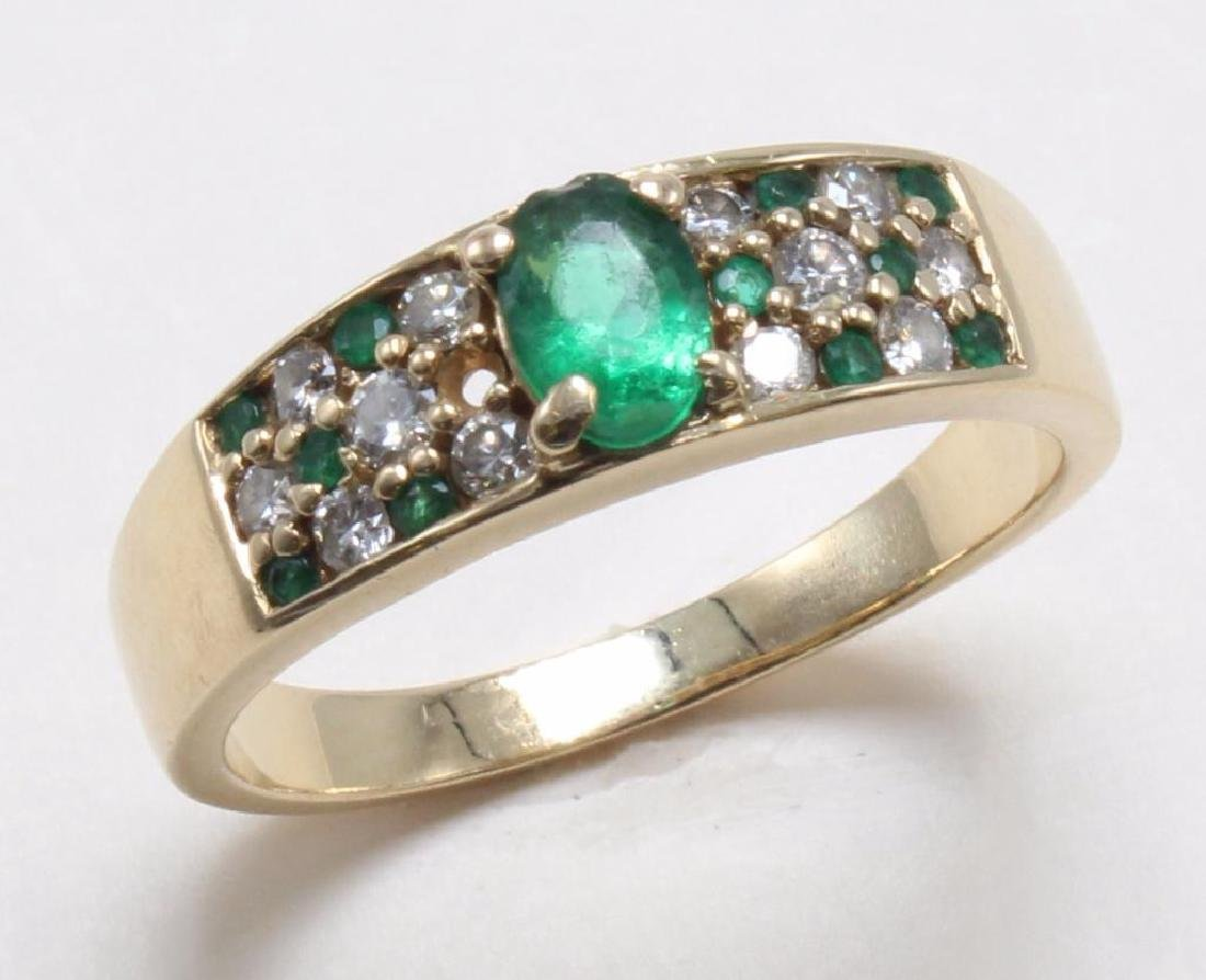 RING. EMERALD AND DIAMOND. 14K YELLOW GOLD - 3