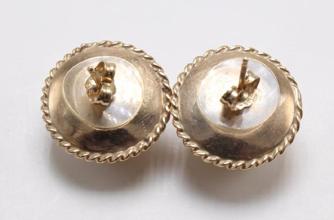 EARRINGS. MABE PEARL. 14K YELLOW GOLD - 2