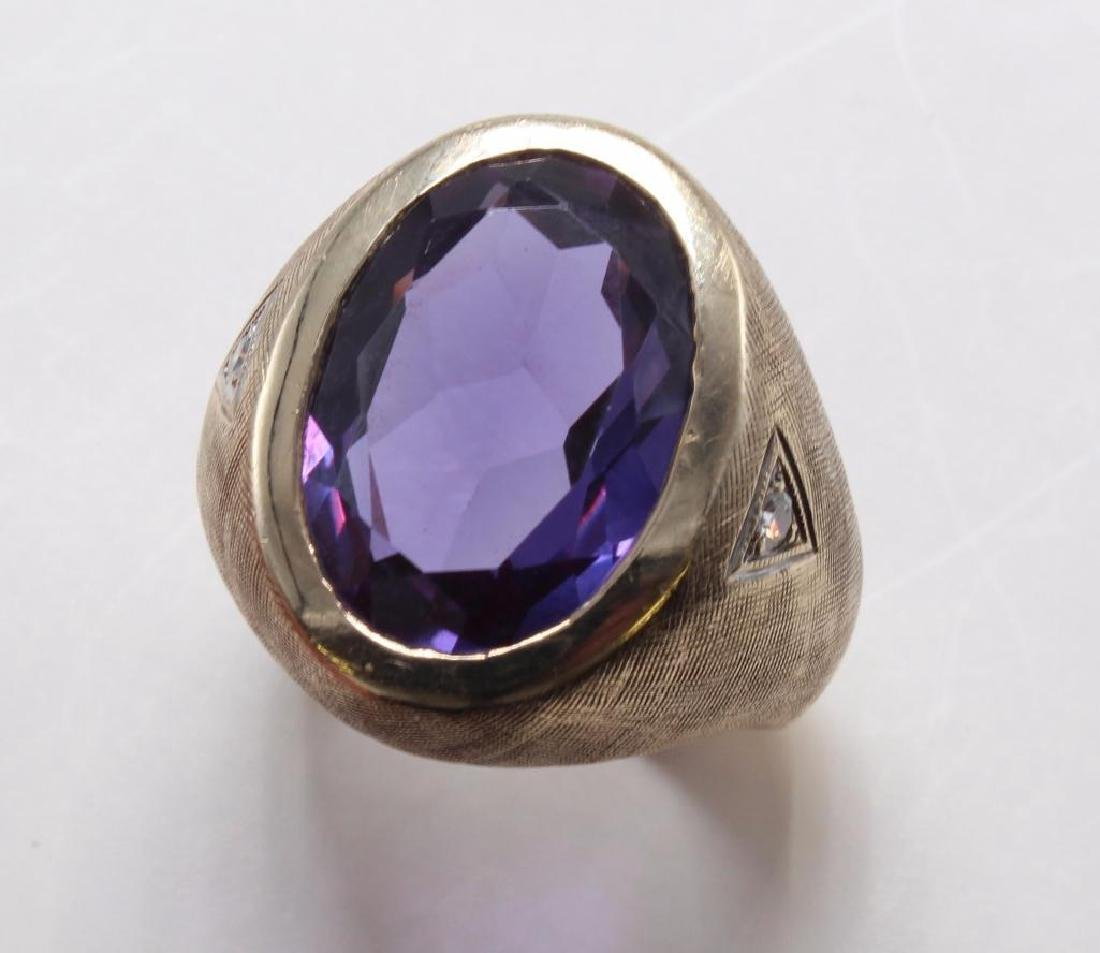RING. SYNTHETIC ALEXANDRITE, DIAMOND. 14K YELLOW GOLD - 2