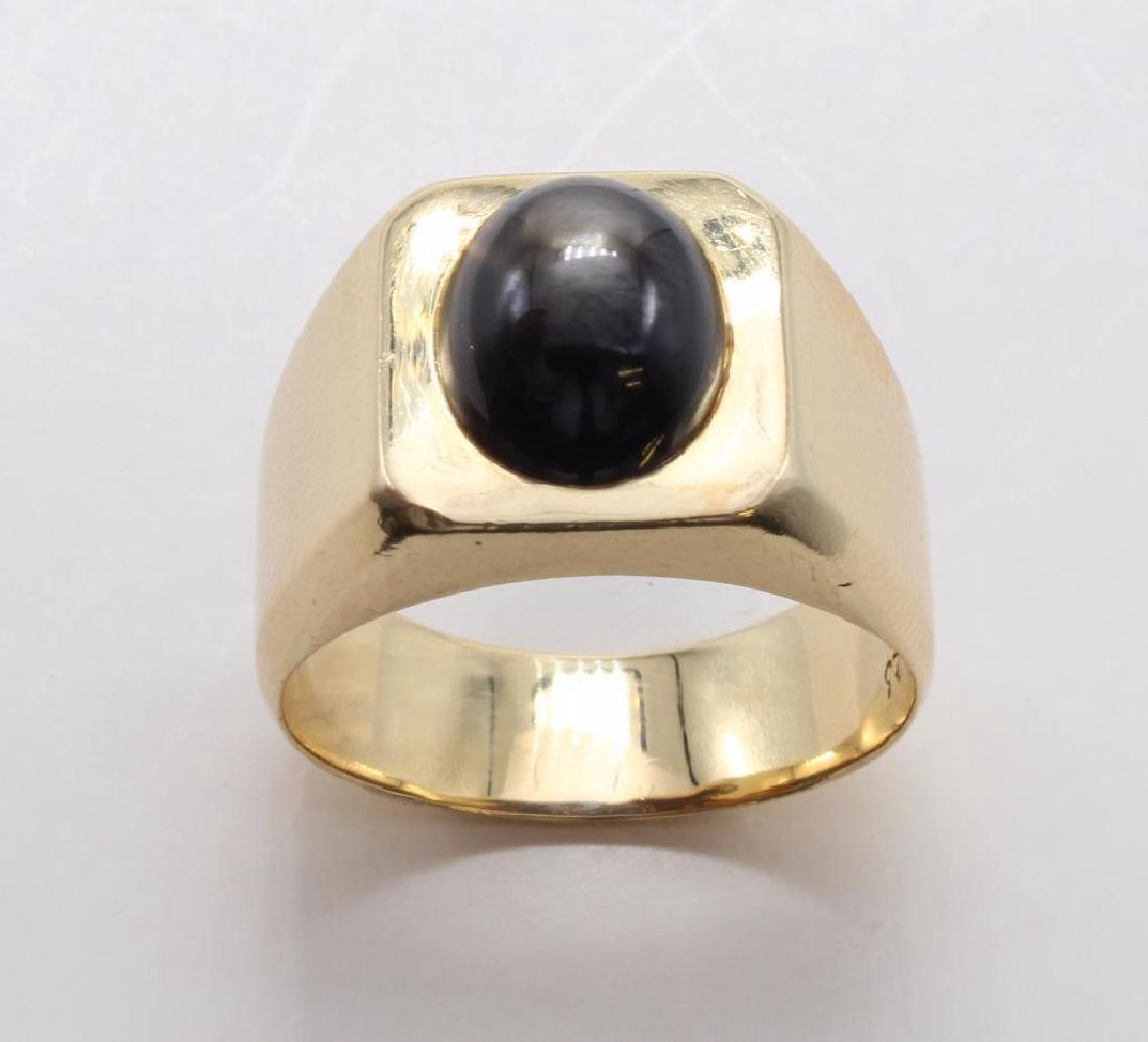 RING. BLACK STAR SAPPHIRE. 18K YELLOW GOLD - 3