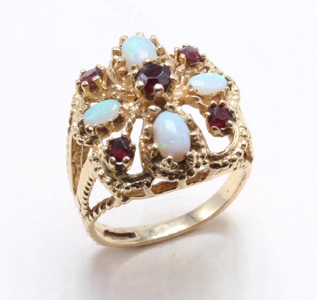RING. OPAL AND GARNET. 14K YELLOW GOLD