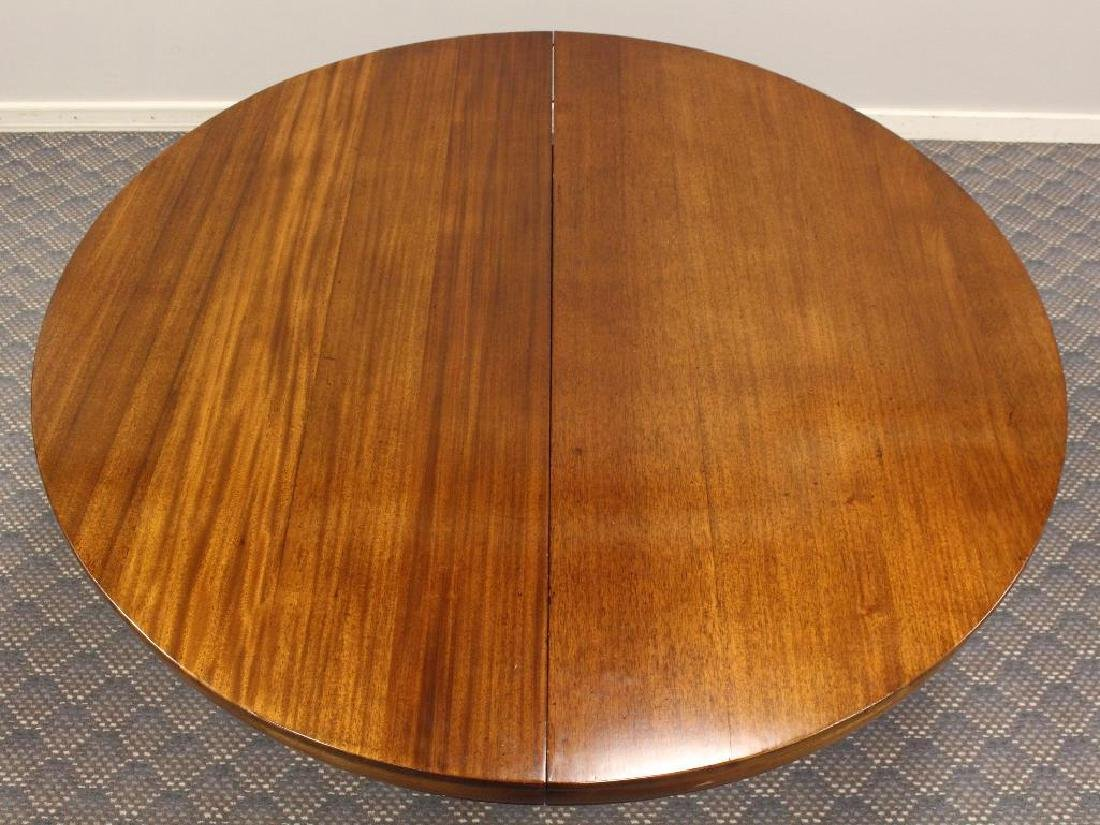 Late Victorian Mahogany Extension Dining Table - 6