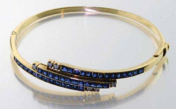 2004: Sapphire and diamond bracelet.