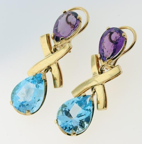 2007: Amethyst and topaz earrings.