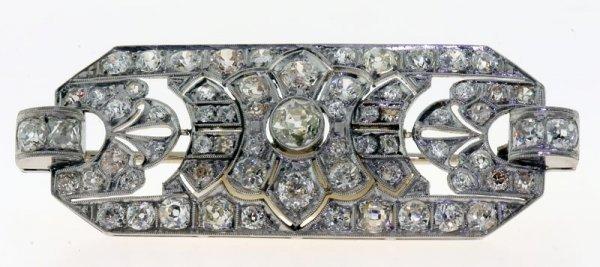 2009: Platinum and diamond pin.