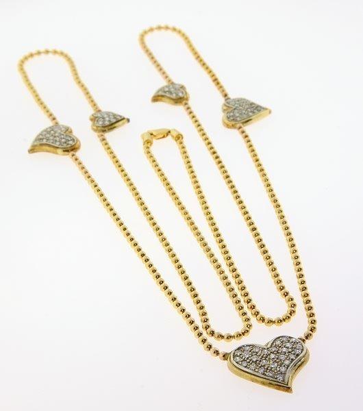 2011: Diamond heart necklace.