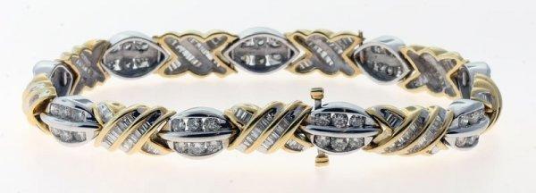2014: Diamond bracelet.