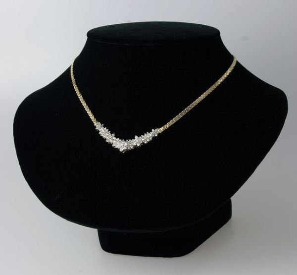 2323: Diamond Necklace