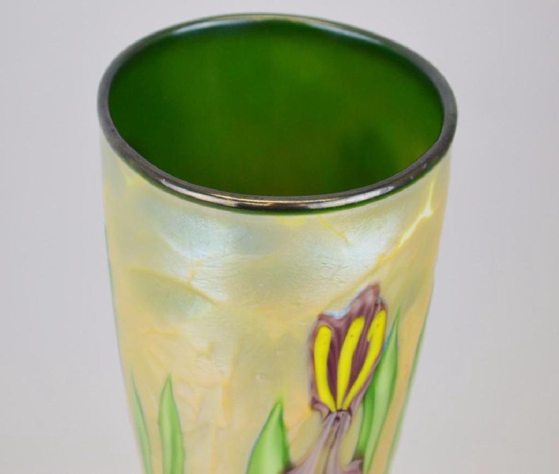 Orient and Flume Art Glass Vase - 4