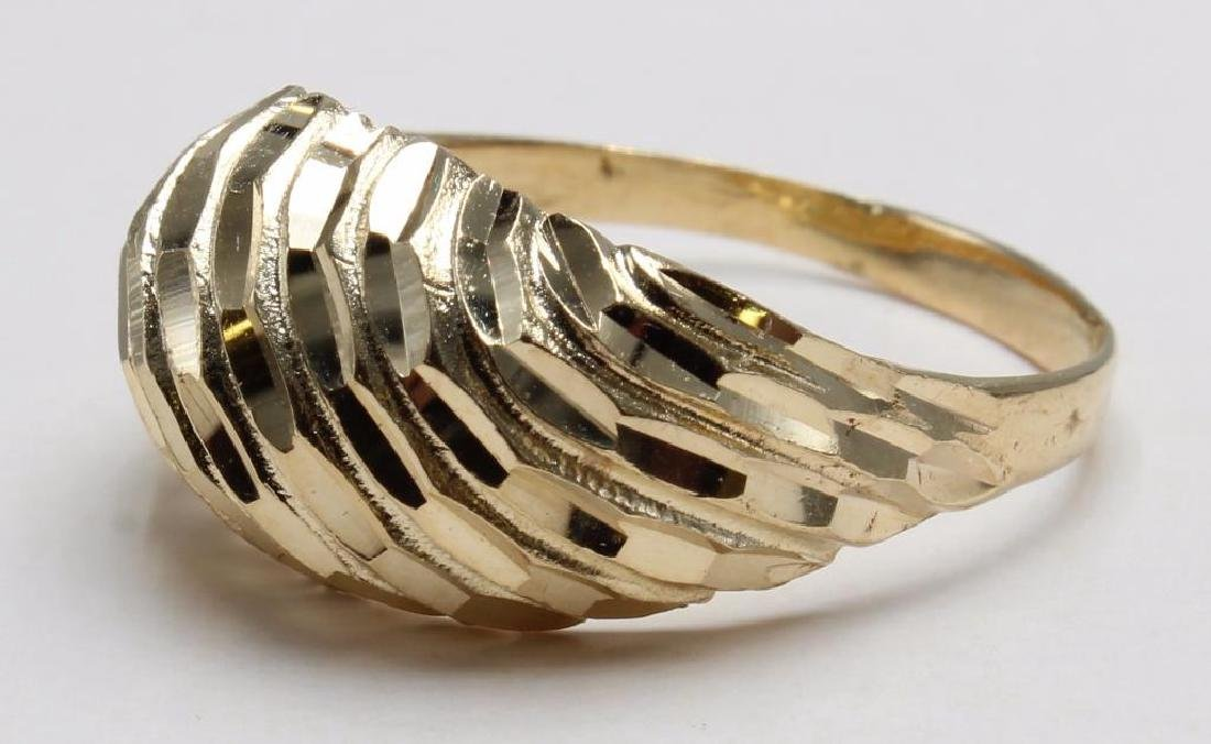 RING. DIAMOND CUT DOME. 14K YELLOW GOLD